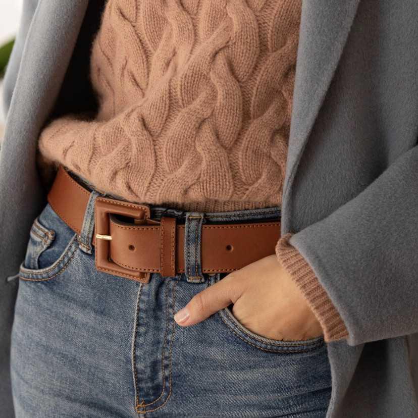 Cinturón ancho de piel hebilla forrada cuero