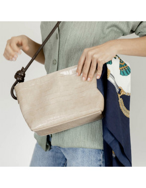 Small knotted leather bag...